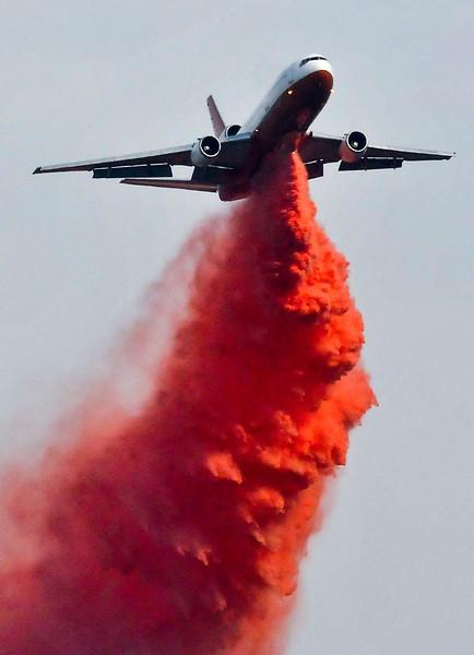 Tanker 910, a DC-10, on the Gorgonio Fire in Riverside County, Calif., 5-4-2013 used with permission. Credit Rachel Luna/The Sun.
