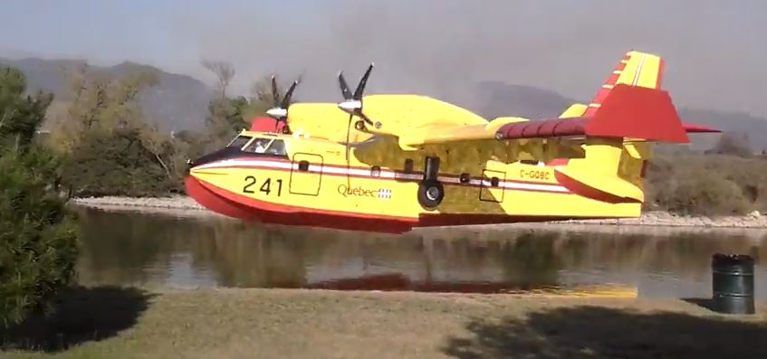 CL-415 very close Colby Fire