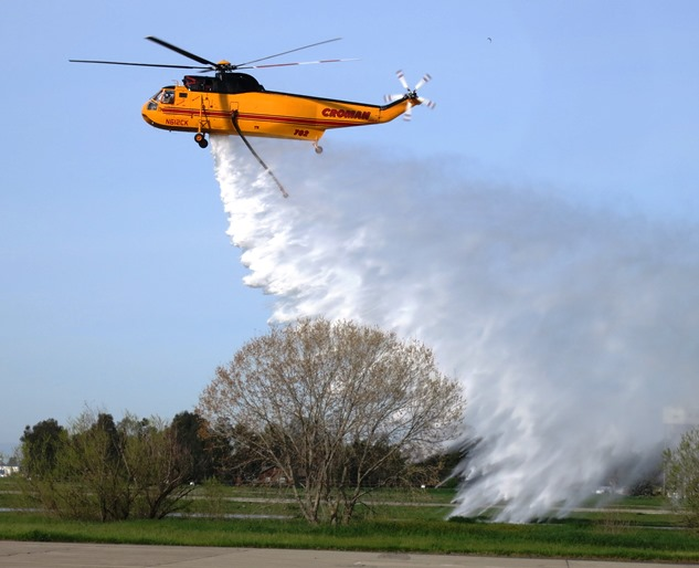 Croman S-61 dropping water
