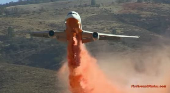 DC-10 drops on Powerhouse fire