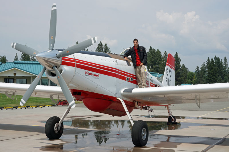 Pilot Fred Celest and air tanker 873