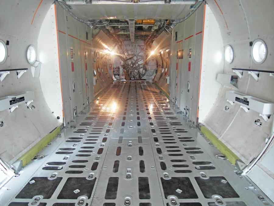 L-382G cargo