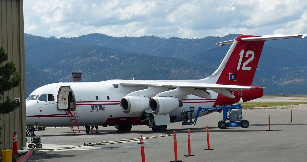 air tanker 12 bae-146 neptune