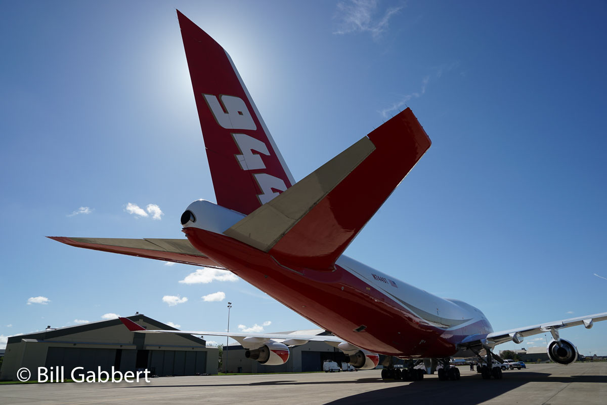 747 SuperTanker arrives at McClellan