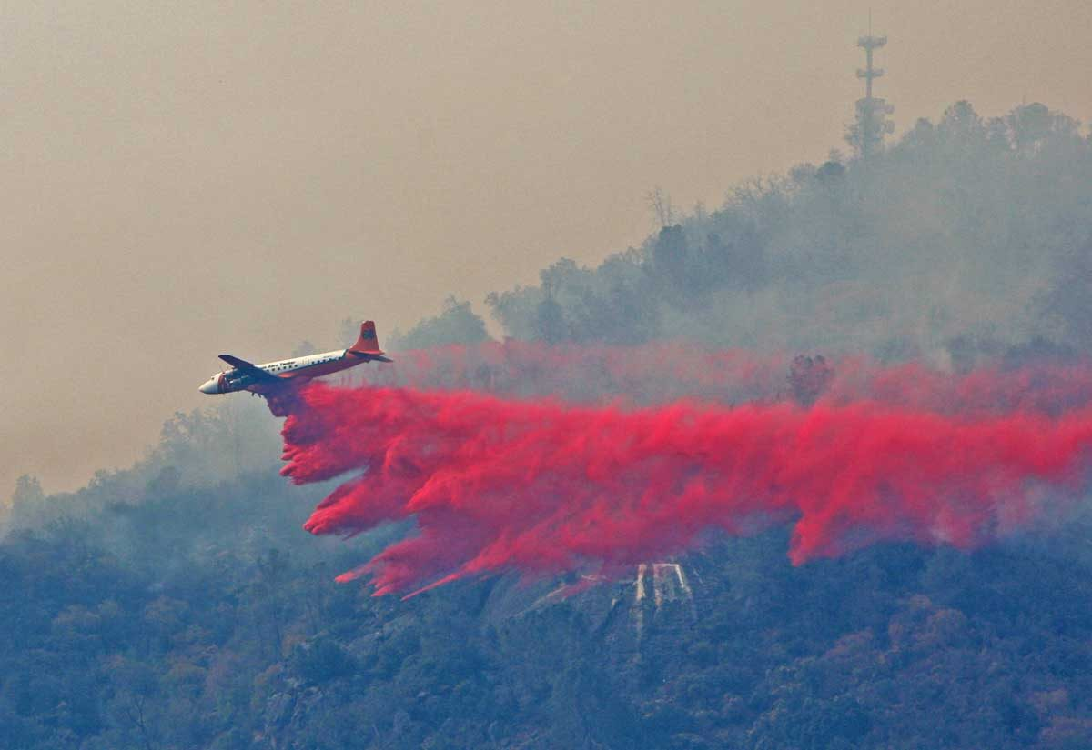 Photos of air tankers on the Goose Fire