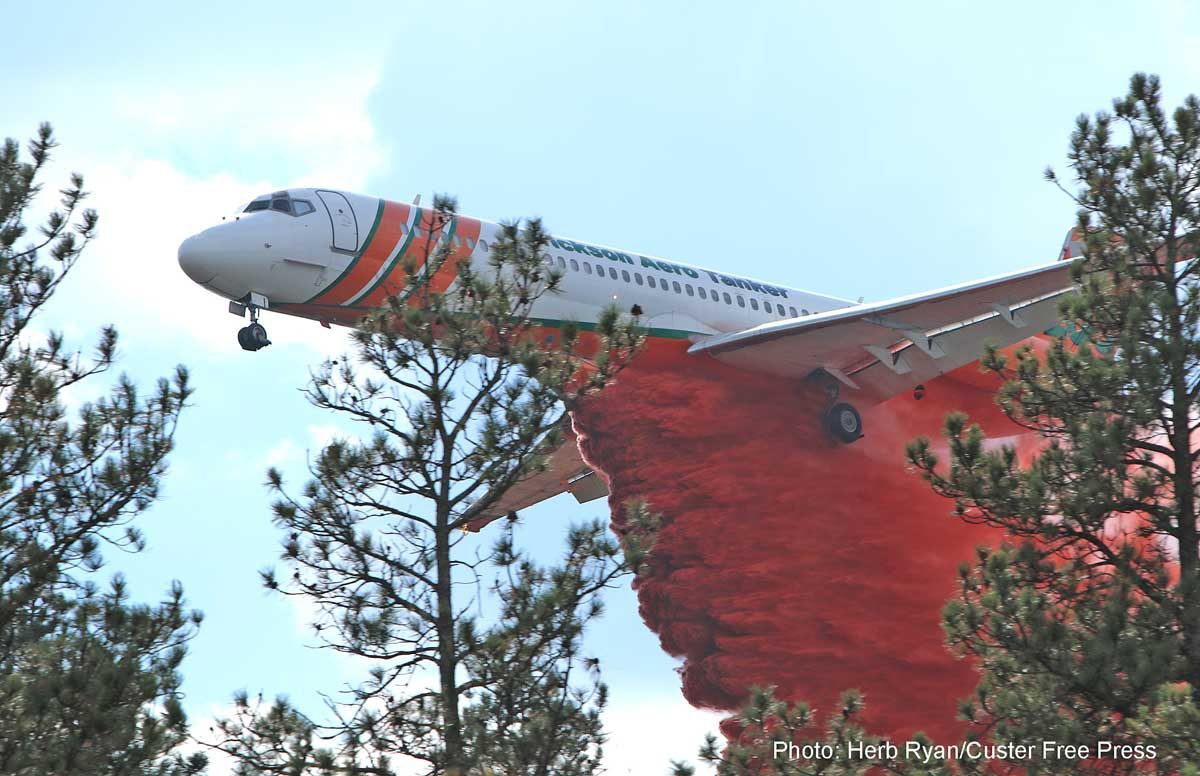Excellent photo of MD-87 dropping on the Beaver Fire