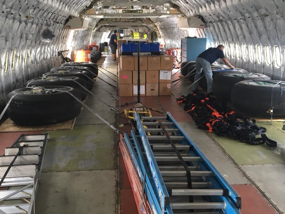 10 tanker DC-10 prepare return home