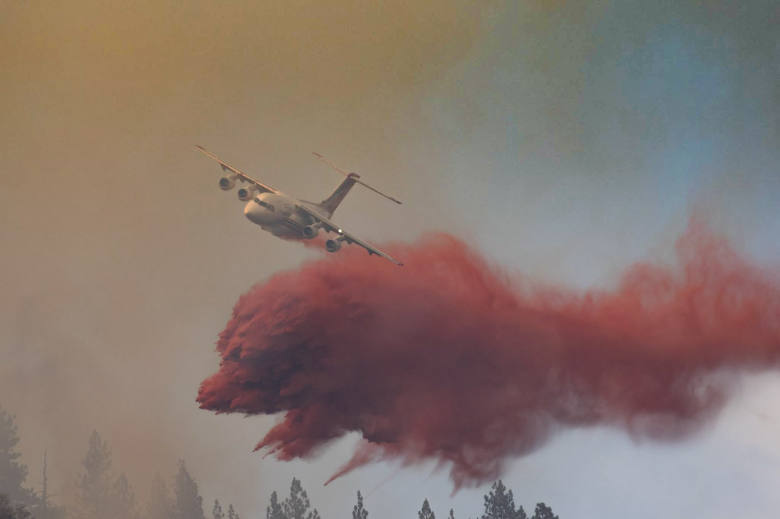 air tanker Green Top Mountain Fire