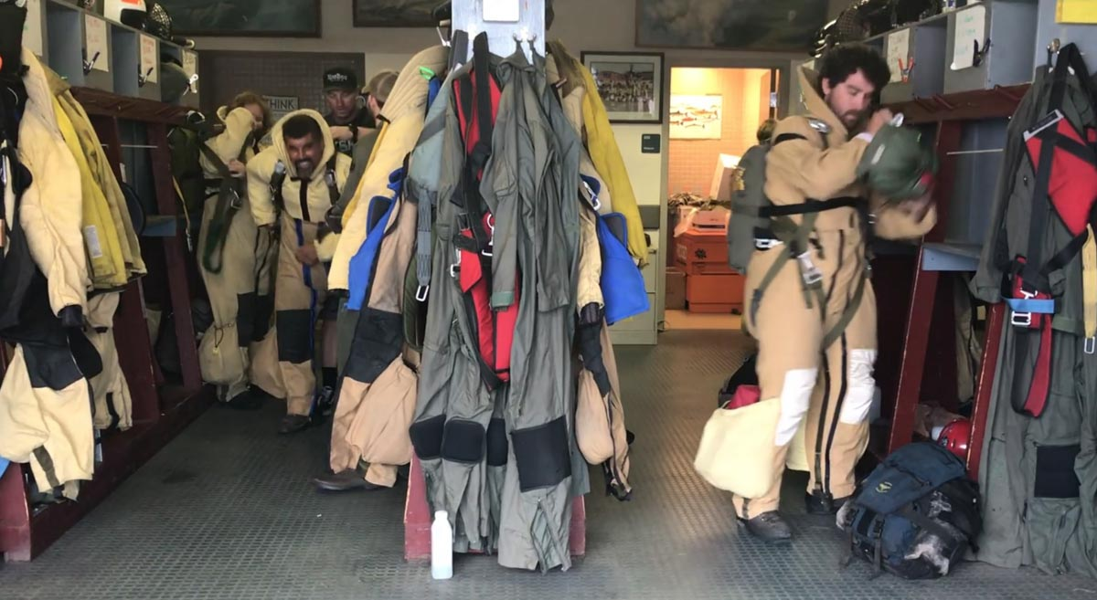 Smokejumpers gearing up wildfire