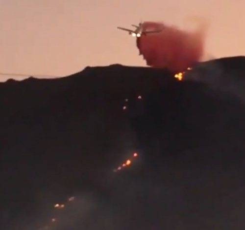 DC-10 drops Long Valley Fire