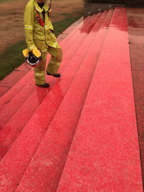Retardant drop in Canberra, ACT