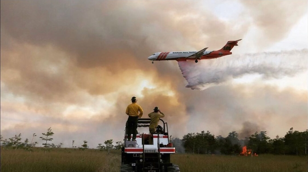 Air tanker 101 Moonfish Fire Florida