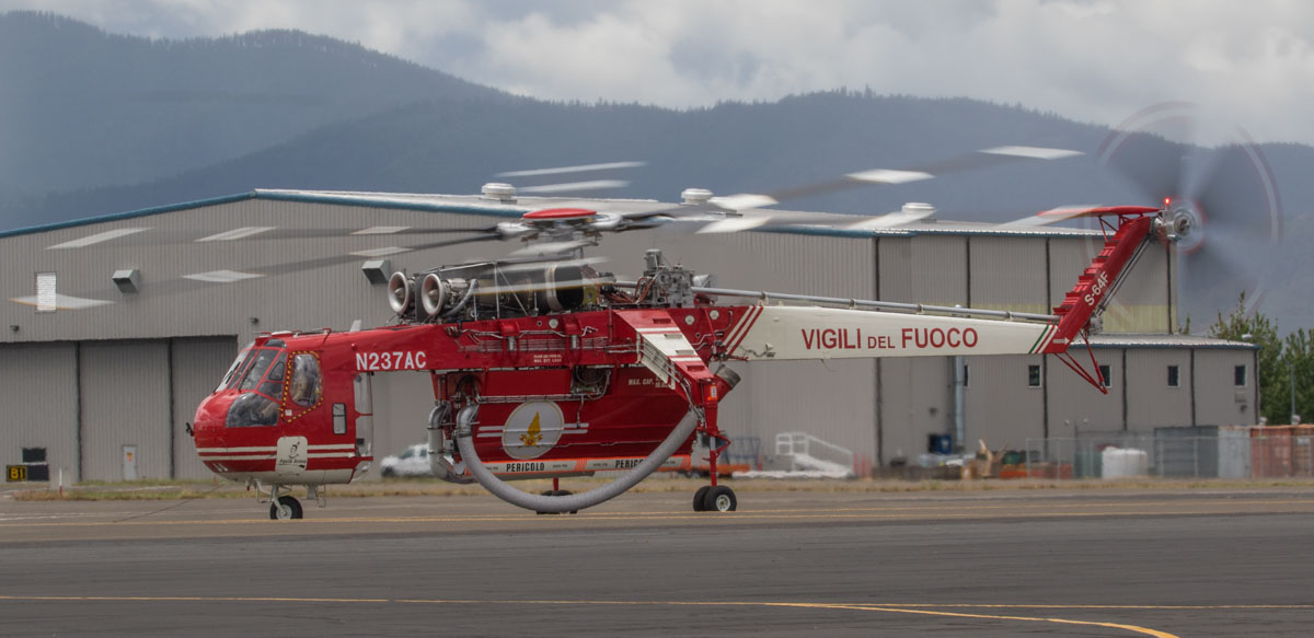 Air-Crane N237AC at Medford, Oregon