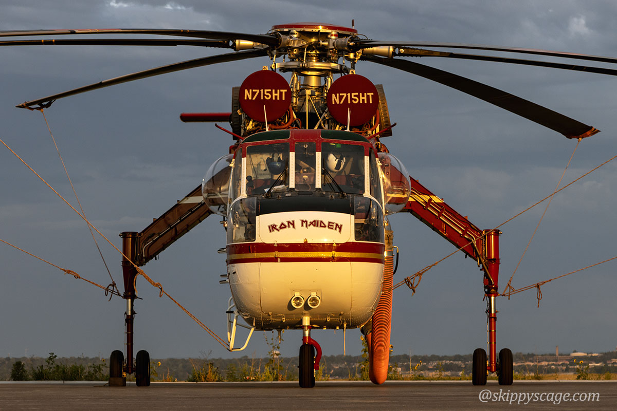 Helicopter 5HT, a CH54 fire N715HT