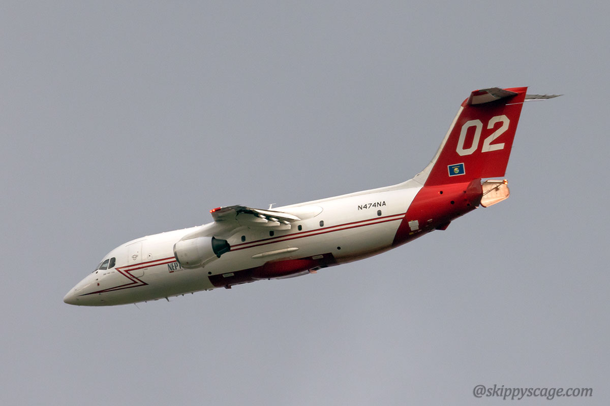 Tanker 02, a BAe-146, dropping Elephant Butte Fire