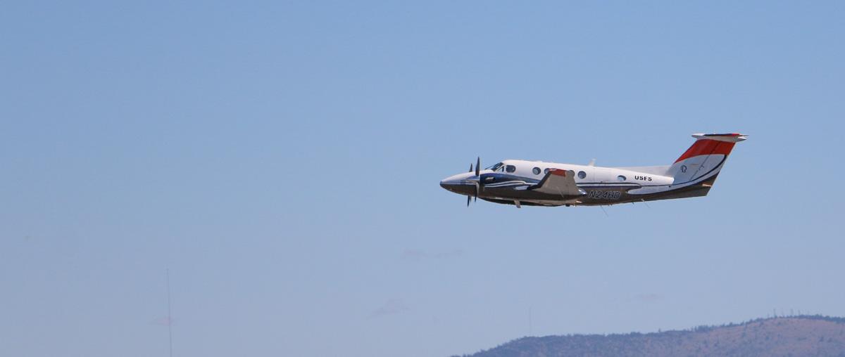 Lead Plane, Beechcraft Super King Air B200GT (N24HD)