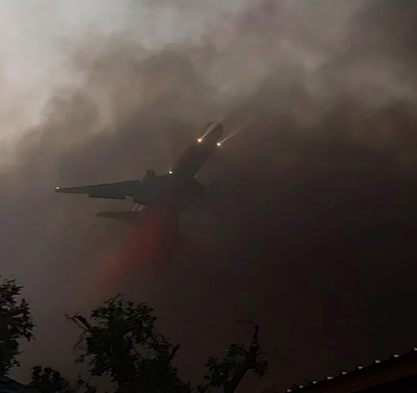 DC-10 dropping on the Almeda Fire