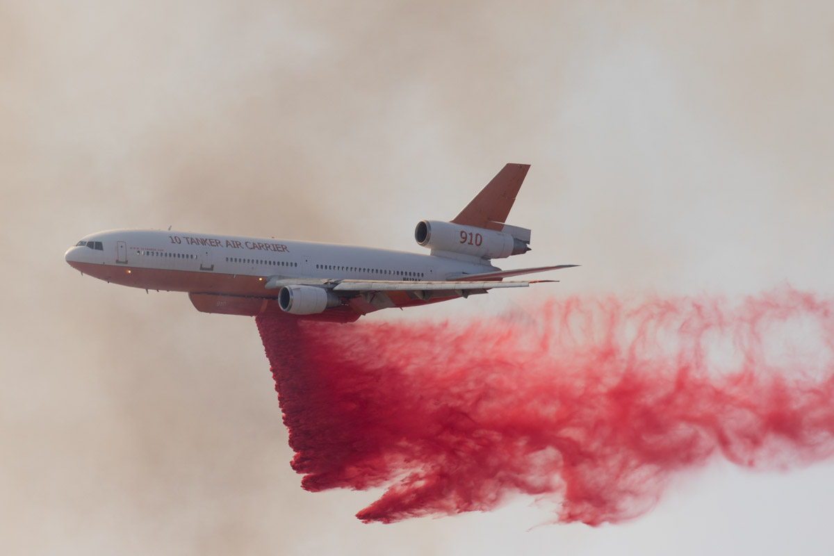 Tanker 910 drops fire Medford Oregon