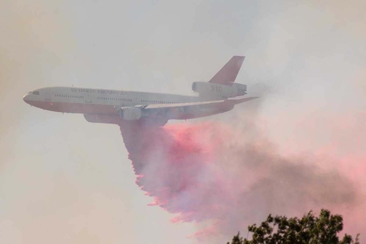 Tanker 910 drops fire Medford Oregon