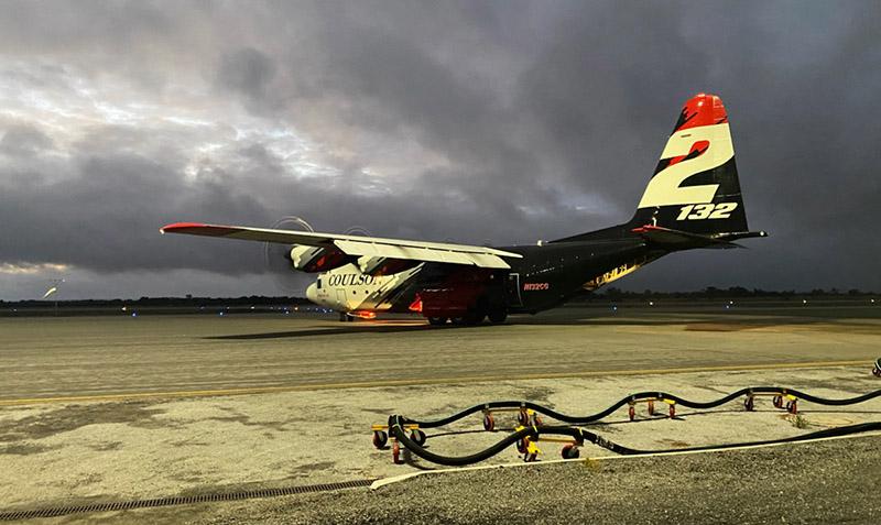 Coulson's Tanker 132, a C-130, in Australia