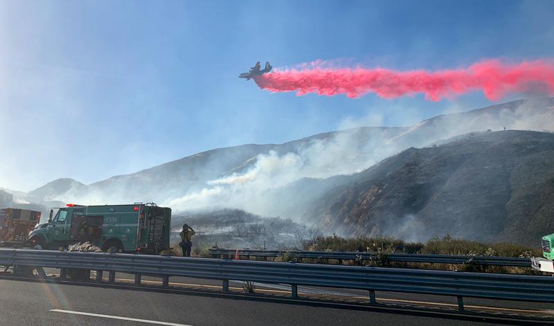 Tanker 131 drops on the Cloud Fire