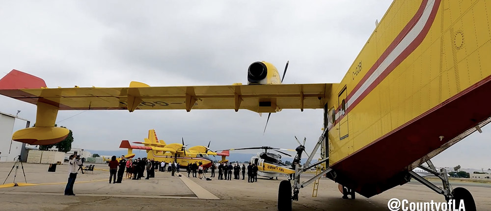 Two Super Scoopers arrive in LA County